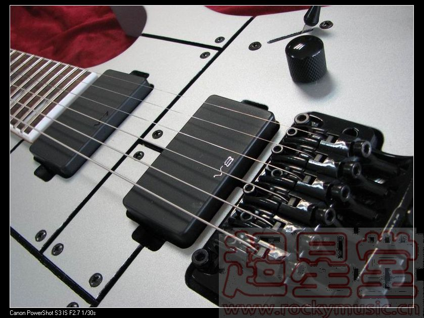 琴颈拾音器:v7双线圈拾音器  琴桥拾音器:v8双线圈拾音器  电路